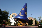 os-disneys-hollywood-studios-sorcerers-hat-20141024.jpg